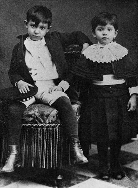 Pablo Picasso y su hermana Lola