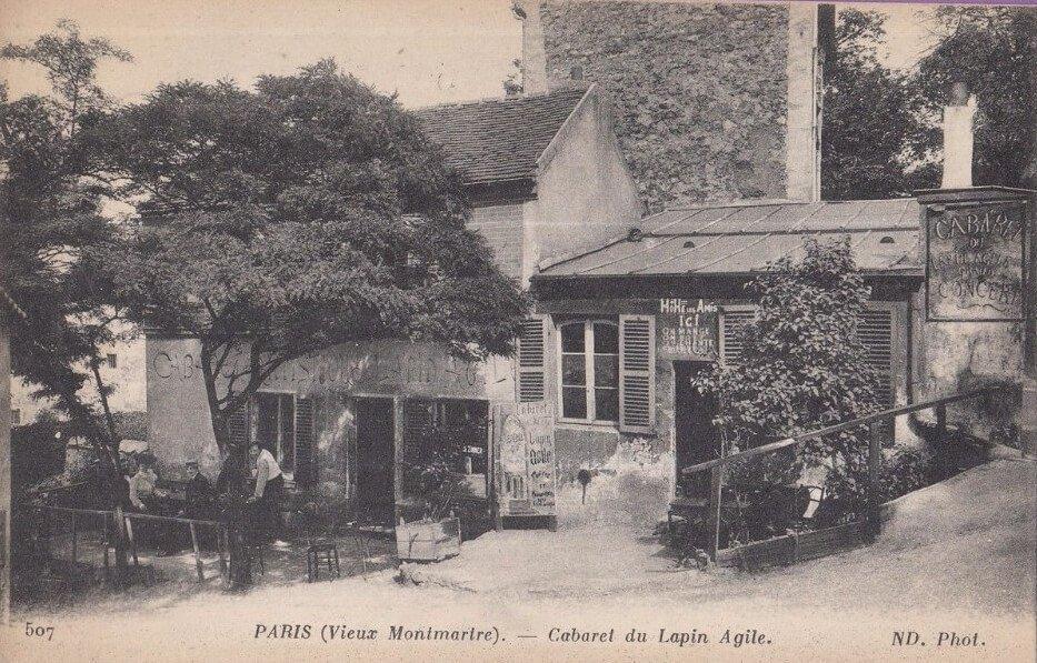 """Exterior del café-cabaret """"Le Lapin Agile"""", en Montmartre, París."""