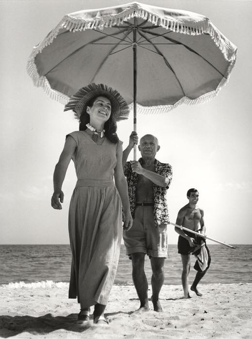 cuadro picasso Mujer flor Robert Capa, Pablo Picasso con Françoise Gilot, 1948.