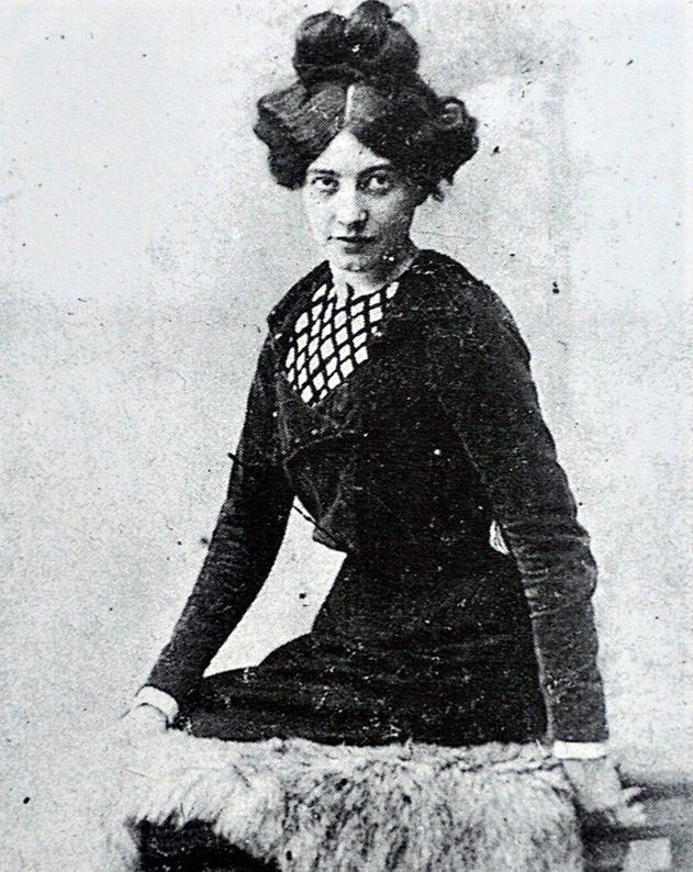Fotografía de Germaine Gargallo Florentin Pichot, hacia 1900.